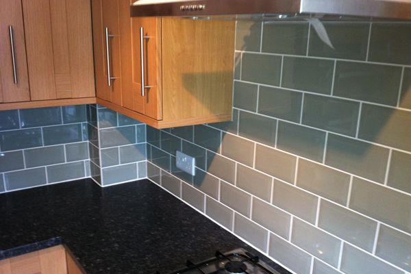 kitchen tile work lp tiling about us your local tiler based in horsham 3302
